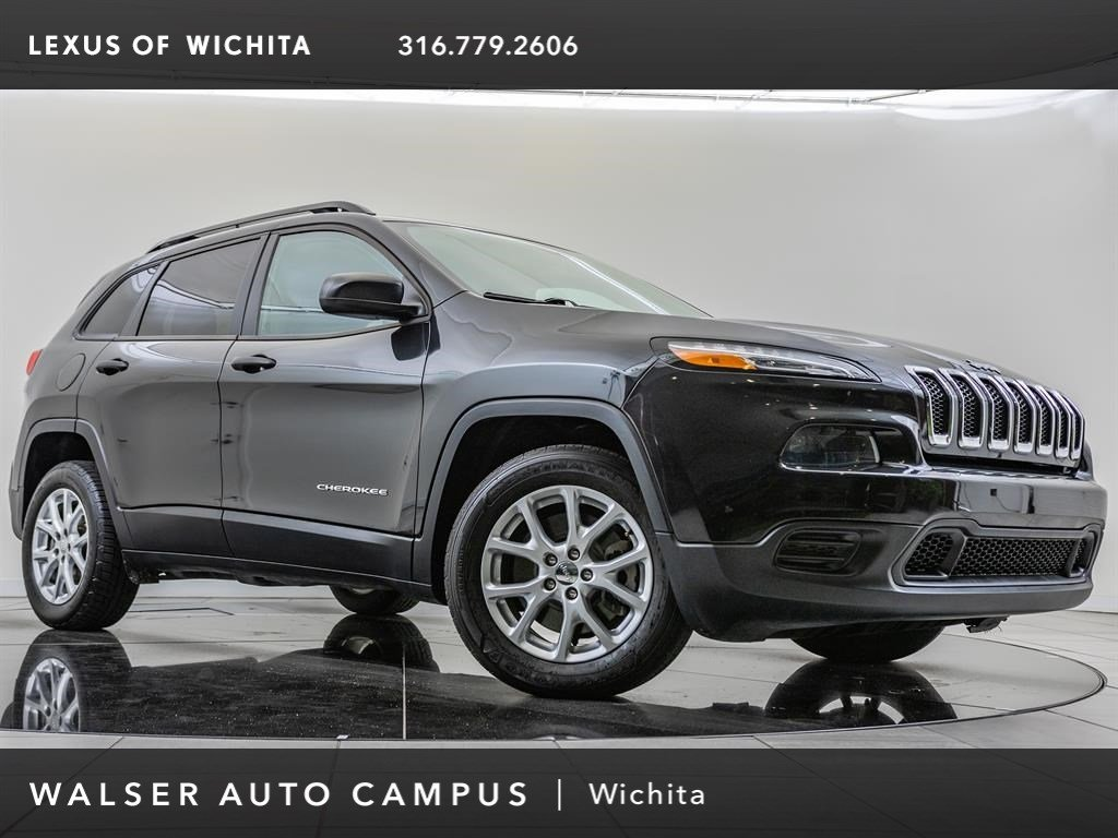 Pre-Owned 2016 Jeep Cherokee Altitude, Sport Appearance Plus Package