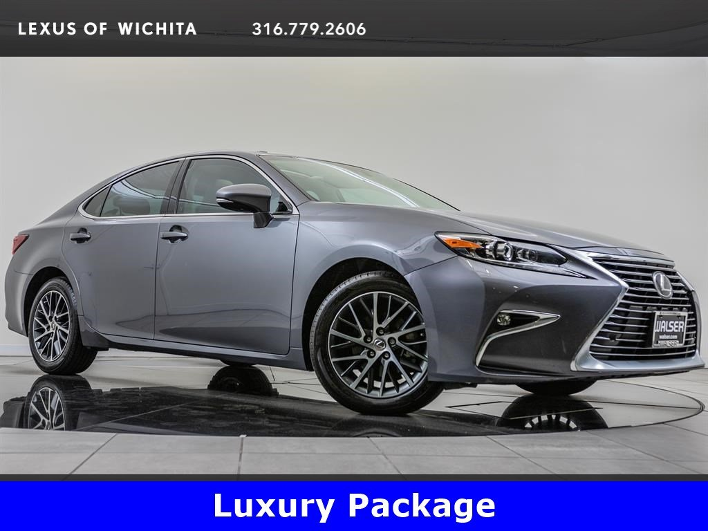 Pre-Owned 2017 Lexus ES Luxury Package, Navigation, Factory Wheel Upgrade