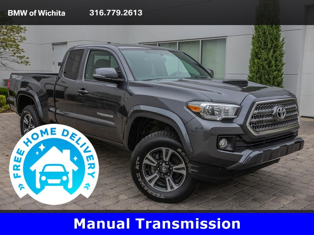 Pre-Owned 2016 Toyota Tacoma V6 Tow Package