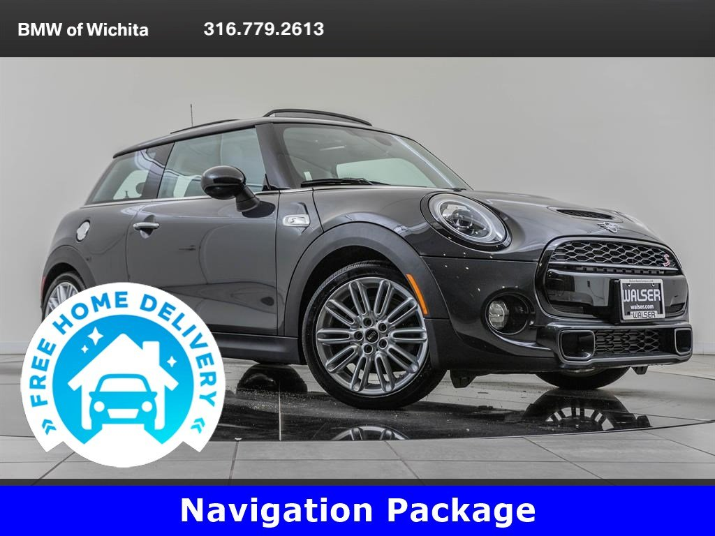 Pre-Owned 2019 MINI Hardtop 2 Door Signature Trim Package