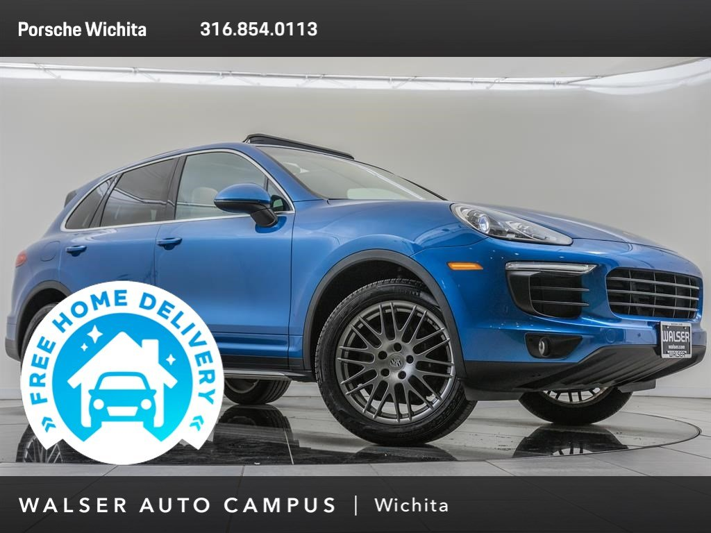 Pre-Owned 2017 Porsche Cayenne Moonroof