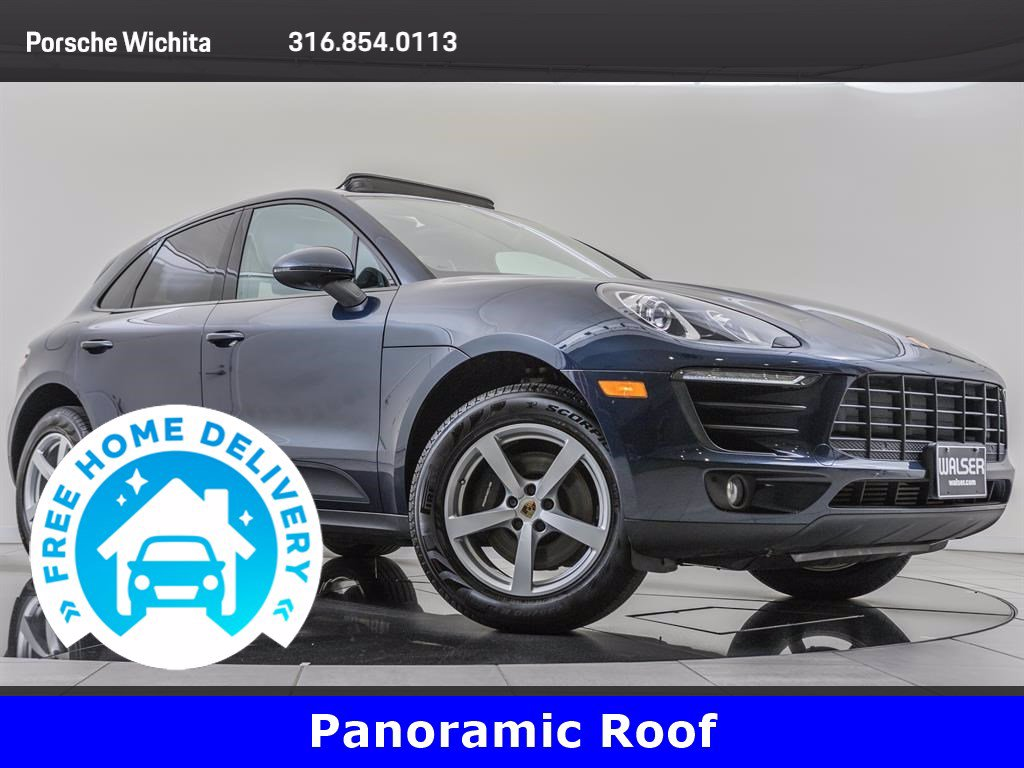 Pre-Owned 2017 Porsche Macan Moonroof